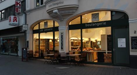 Épi: Baguettes und Patisserie