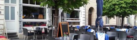 Arco: Mischung aus Café und Bar am Friedensplatz